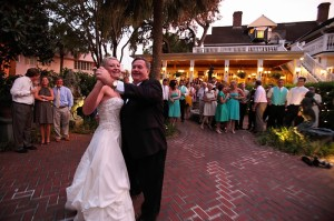 pop and karin dancing at wedding