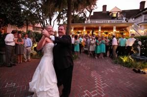 pop and karin dancing at wedding